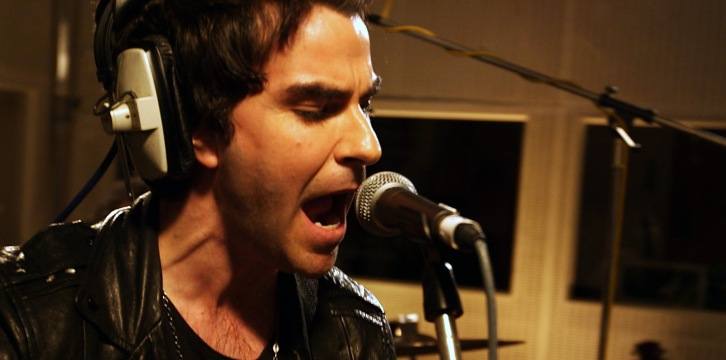 Stereophonics performing I Saw Her Standing There